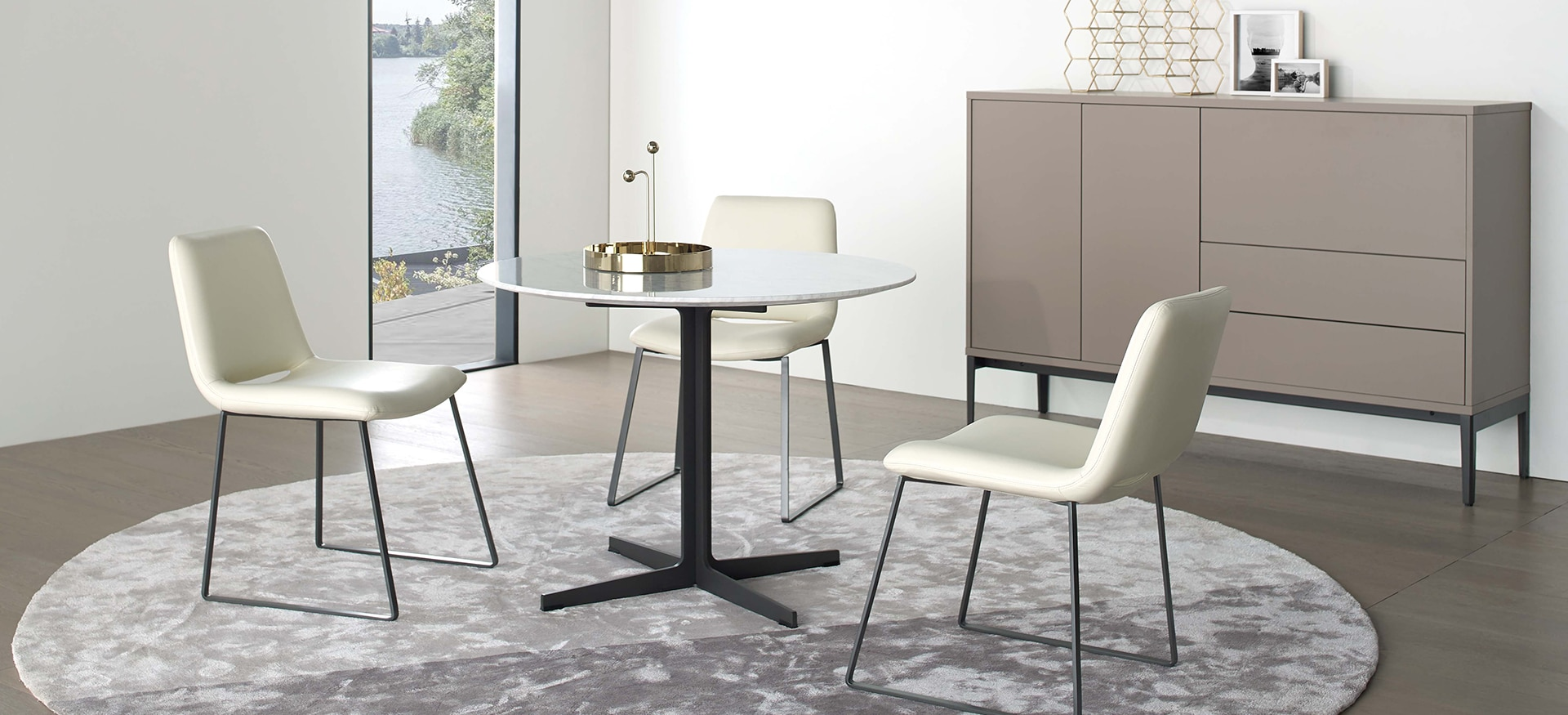 Vary Dining Table
